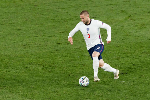 ROME, ITALY - JULY 03: (BILD ZEITUNG OUT) Luke Shaw of England controls the ball during the UEFA Euro 2020 Championship Quarter-final match between Ukraine and England at Olimpico Stadium on July 3, 2021 in Rome, Italy. (Photo by Matteo Ciambelli/DeFodi Images via Getty Images)